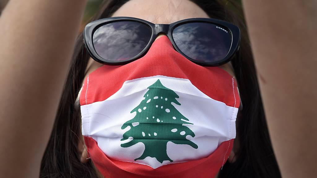 Sie haben genug von ihrer korrupten Regierung und fordern ein besseres Leben: Protestierende auf den Strassen Beiruts. Rund die Hälfte der Libanesen lebt mittlerweile unter der Armutsgrenze.