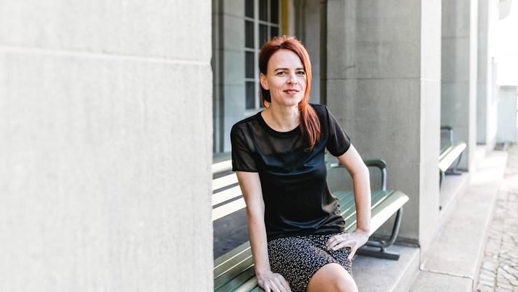 Die deutsche Liedermacherin und Kabarettistin Uta Köbernick gewinnt die Auszeichnung «Cornichon».