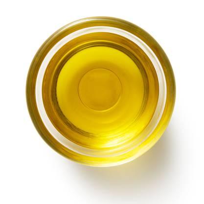Subito selbst gemacht : Ein Peeling aus braunem Zucker und Olivenöl bringt genauso viel wie ein teures Produkt aus dem Handel.
