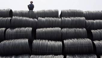 China sitzt auf einem Berg von Stahl: Schätzungen zufolge liegen die Stahlüberkapazitäten bei 400 Millionen Tonnen jährlich. (Archiv)