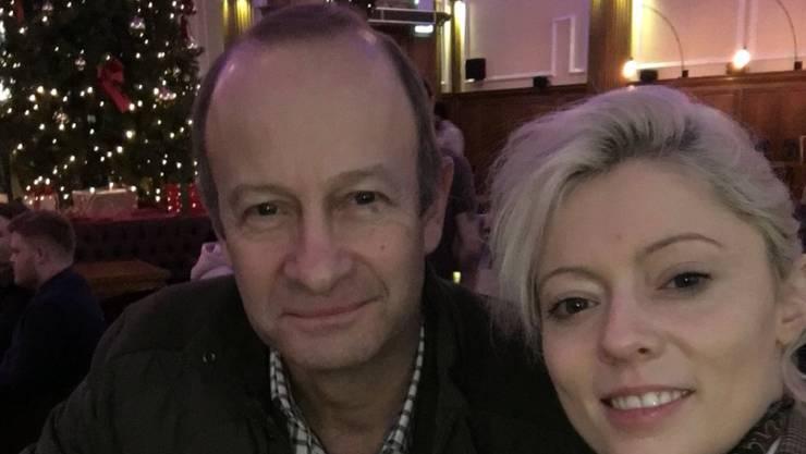 Mit dieser Art Zweisamkeit ist es jetzt vorbei: Henry Bolton (l) hat seiner Freundin Jo Marney (r) den Laufpass gegeben, nachdem sie die künftige Prinzengattin Meghan Markle rassistisch beschimpft hatte. (Twitter Jo Marney)