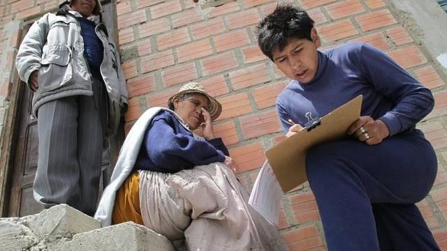 Indio-Paar in El Alto wird befragt