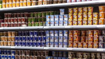 Der Zuckergehalt von Joghurts soll in den nächsten vier Jahren reduziert werden. (Symbolbild)