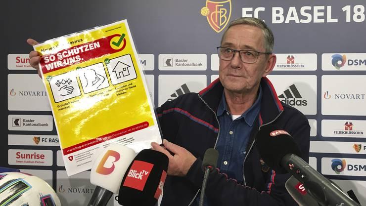 FCB-CEO Roland Heri und der FC Basel halten sich zum Schutz vor dem Corona-Virus an die Hygieneweisungen des Bundes.