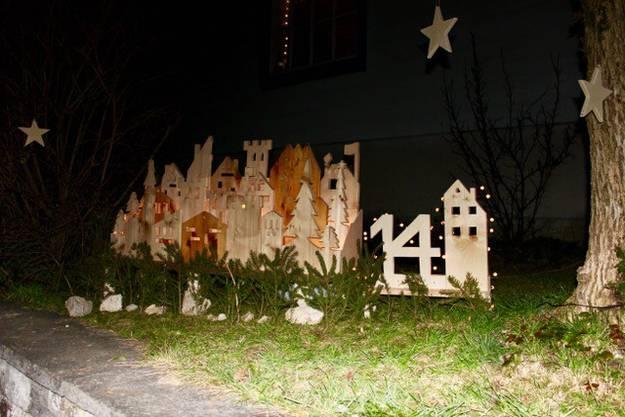 Kunstvolle Holzkonstruktion in Feldbrunnen