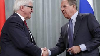 Frank-Walter Steinmeier (links) und Sergej Lawrow