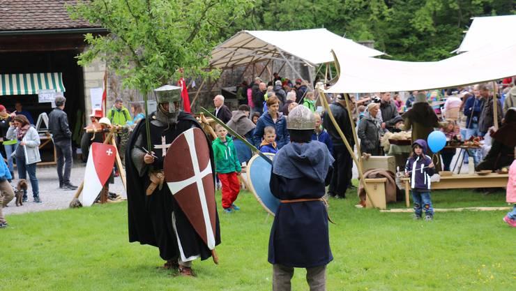 Mittelaltervereine geben Einblick ins Leben vor mehreren hundert Jahren.