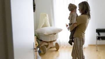Monatelang musste eine Mutter warten, bis die Behörde entschied, ob der Sohn wieder bei ihr wohnen darf oder nicht. (Symbolbild)