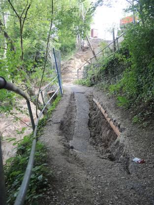 Der Serpentinenweg, der den Bahnhof Wettingen mit der Webermühle-Siedlung in Neuenhof verbindet, ist ins rutschen geraten. 1