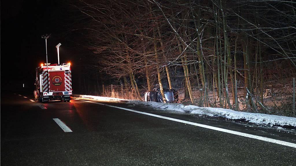 Warum der Autofahrer die Kontrolle über sein Fahrzeug verlor, ist nicht bekannt.
