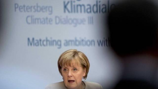 Die deutsche Bundeskanzlerin Angela Merkel warnt vor den Folgen des Klimawandels