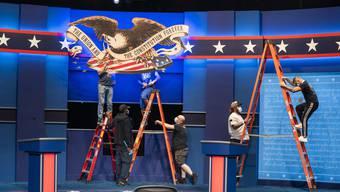 Der letzte Schliff vor dem grossen Duell: In diesem Studio streiten in der Nacht auf Mittwoch Donald Trump und Joe Biden.