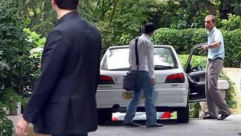 Polizeibeamte durchsuchen Bettencourts Haus in Neuilly sur Seine