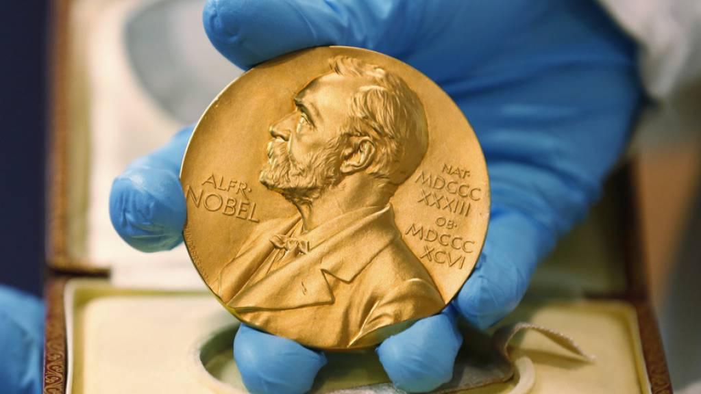 Die Nobel-Medaillen werden am 10. Dezember, dem Todestag von Alfred Nobel, feierlich überreicht. (Archivbild)