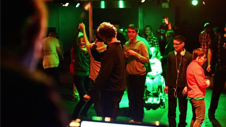 In Aarau tanzen Handicapierte regelmässig gemeinsam mit Menschen ohne Behinderung. Mario Fuchs