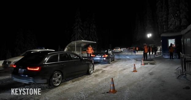 WEF: Polizei kontrolliert die Fahrzeuge