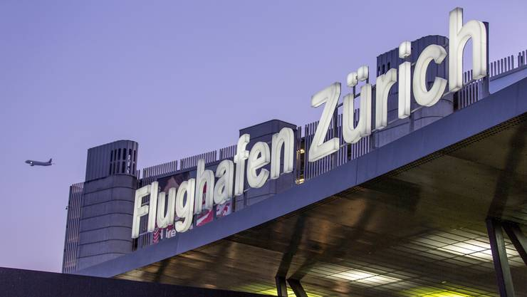 Der Flughafen Zürich soll Umsätze nicht zum Normalsatz abgerechnet haben. (Archiv)