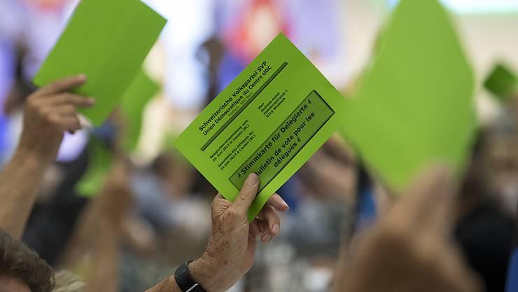 Die SVP Schweiz entscheidet heute über ihre Haltung zur No-Billag-Initiative. Die Parole zur Abschaffung der Radio- und TV-Empfangsgebühr fassen heute auch die CVP und die GLP. (Themenbild)