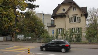 Der Unfall geschah auf der Baslerstrasse in Brugg. (Archiv)