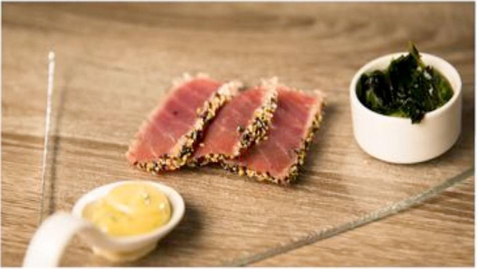 Thunfisch im Sesam-Mantel