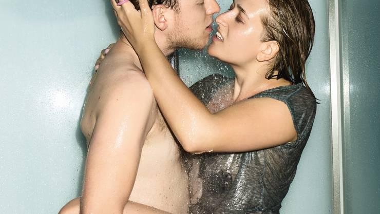 Sex unter der Dusche - für die Aids-Kampagne des Bundes.