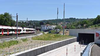 Die Antenne links betreibt die Swisscom. Der rechte Mast gehört der SBB und soll vermietet werden.