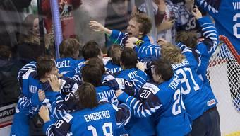 Die finnische U20-Nationalmannschaft freut sich über den fünften WM-Titel