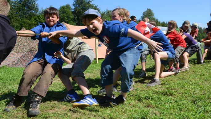 Spiel und Spass in der Natur – ein Zentrales Element in der Jungschar (Bild: www.jemk.ch)
