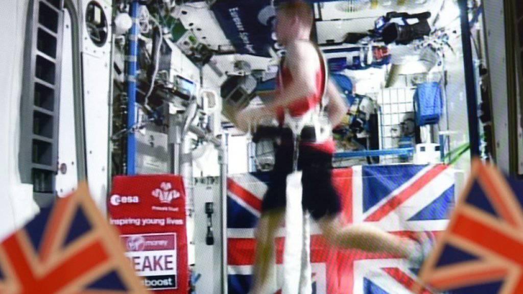 Astronaut Tim Peake während seines Marathons auf der ISS.