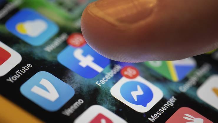 Der Einfluss von sozialen Medien auf die Meinungsbildung ist beschränkt. Zu diesem Schluss kommt eine Studie des Bundes.