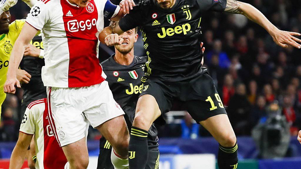 Leonardo Bonucci (hier im Heinspiel gegen Ajax) war einer der Spieler, die im entscheidenden Moment nicht in Form waren
