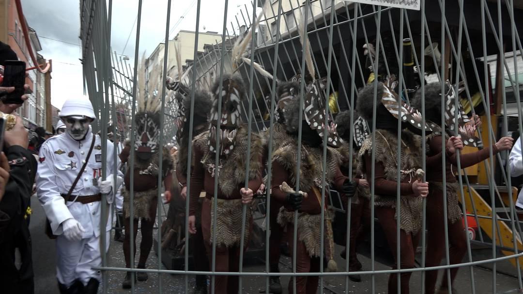 Schlachthaus, Völkerschau und eine rollende Laterne – der Määntigs-Cortège 2019 im Video