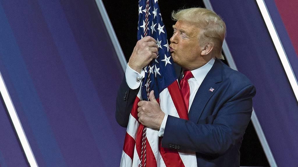 Corona-Virus erreicht die USA – Trump und Herausforderer geben sich als Krisenmanager