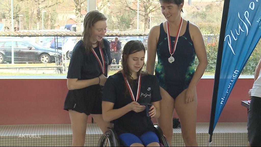 Goldenes Heimspiel für Para-Schwimmerin