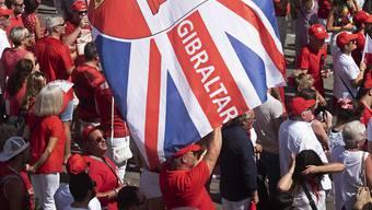 Der erste Pflichtspielsieg wird in Gibraltar gefeiert