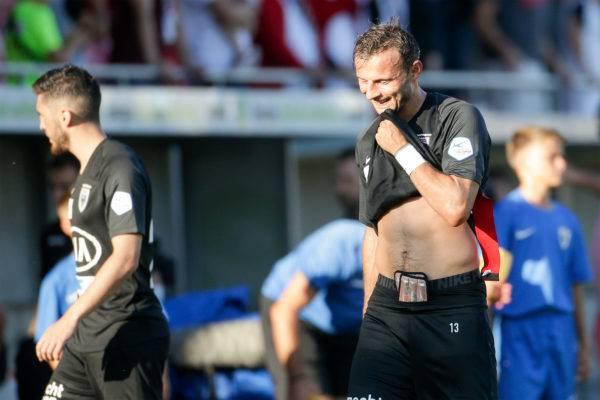 Elsad Zverotic enttäuscht nach der Partie gegen Sion.