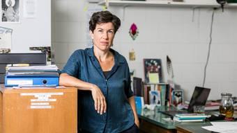 Die Lyrikerin Nathalie Schmid in ihrem Atelier in Obersiggenthal.