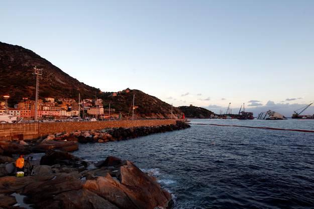 Der Luxusdampfer liegt seit dem Untergang im Januar 2012 vor der Insel Giglio