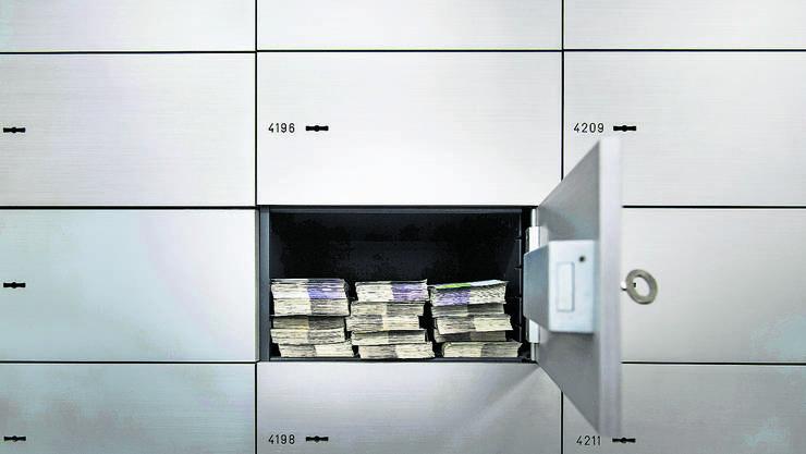 Italiener bunkern ihr Erspartes bei Tessiner Banken.