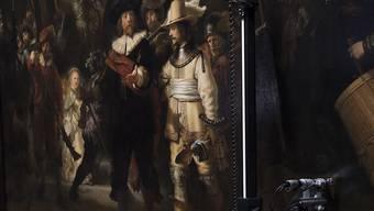 """Rembrandt's """"Nachtwache"""" wird auf den Zustand des Gemäldes hin untersucht, bevor es im kommenden Jahr im Rahmen der Rembrandt-Jahrs ausgestellt werden wird. (Archivbild)"""