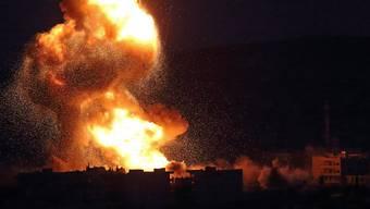 Mehrere Explosionen erschütterten am frühen Morgen den Flughafen von Damaskus. (Archiv)