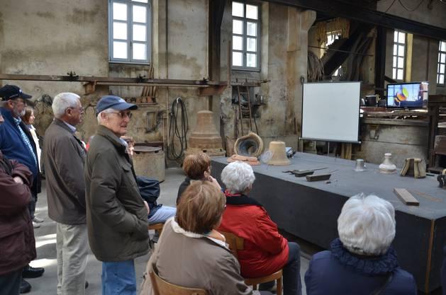 Die Teilnehmer der Exkursion wurden auch mit digitalen und analogen Medien unterhalten.
