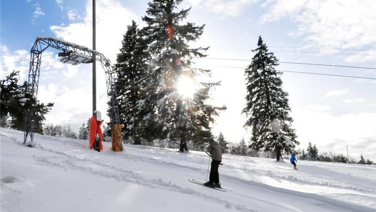 Pisten und Skilift präsentieren sich in hervorragendem Zustand: Dem Winterspass steht nichts im Weg.