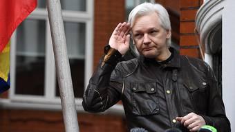 Julian Assange auf dem Balkon der ecuadorianischen Botschaft in London (Aufnahme vom 19. Mai 2017).