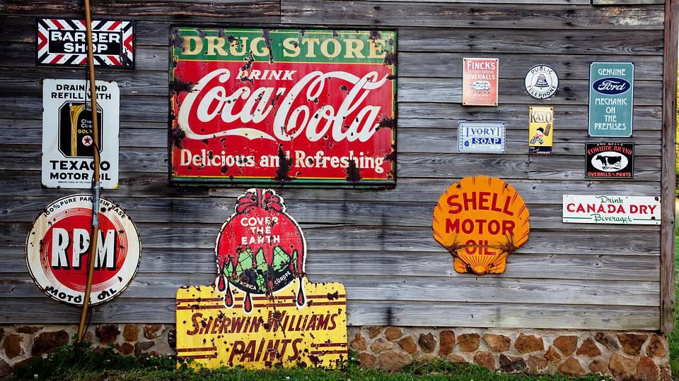 Schilder Coca Cola Werbung