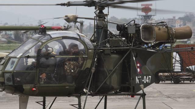 Das Wrack wurde von einem nepalesischen Armee-Heli entdeckt (Bild)