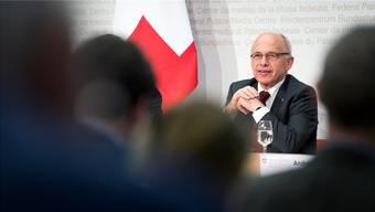 Finanzminister Ueli Maurer stellte im vergangenen November die neuen Pläne vor.
