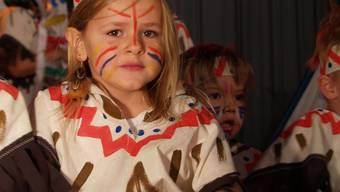 Kleine Indianerin: Die Kleinsten sind immer ein Höhepunkt der Turnshow Sarmenstorf. (aw)