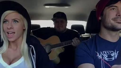 Youtube-Star: Andie Case singt Hits während Autofahrt