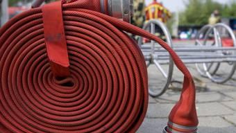 Die Feuerwehr konnte das Feuer rasch löschen (Symbolbild)